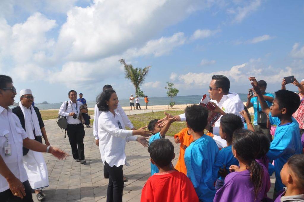 Menteri BUMN Rini Soemarno dan Kak Seto Visiting Kuta Mandalika Lombok
